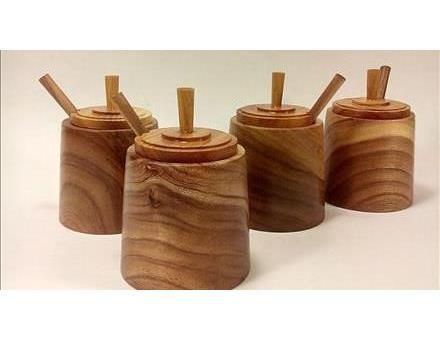 _ عوامل موثر بر قیمت اکسسوری های چوبی در منزل را چگونه می توان عنوان کرد؟